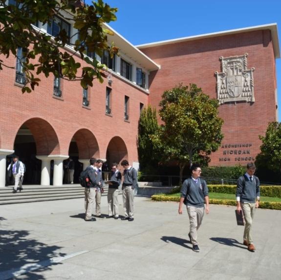 캘리포니아 보딩스쿨 아치비숍 리오던 하이스쿨 Archbishop Riordan High School
